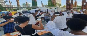 Médicos cubanos celebran con sus pacientes en Turín