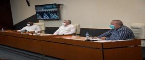 Encuentro del Presidente cubano con científicos