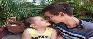 Los hermanos Javier y Alejandro Valdivia, apenas dos de los más de 500 cubanos con implante coclear. Foto: Archivo de Granma
