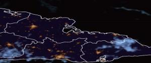 Destello luminoso intenso (verde=color falso) al ESE de la Bahía de Nipe, obtenido por el sensor de relámpagos (GLM) del satélite GOES-East. Imagen: Dakota Smith-@weatherdak