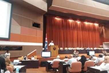 Díaz-Canel llama a asegurar la estabilidad en el Cuadro Básico de Medicamentos