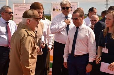Visita Medvedev instalaciones de un proyecto ruso-cubano para obtención de petróleo