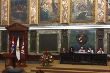 Asiste Díaz-Canel a acto central por el Día del Archivero Cubano