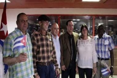 Llega a Cuba segundo grupo de colaboradores en Bolivia