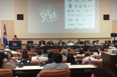 Debaten en Cuba sobre feminismo y discurso de odio en redes sociales