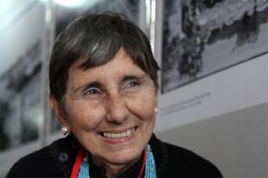 Poetisa y ensayista Lina de Feria