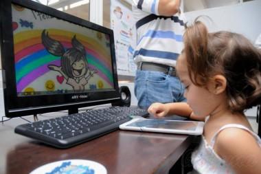 El Gobierno cubano impulsa la informatización del sistema nacional de educación, que se enfrenta a las trabas que impone el bloqueo económico, comercial y financiero del Gobierno de EE UU. Foto: Endrys Correa Vaillant