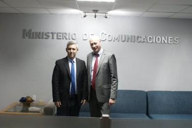 Jorge Luis Perdomo Di-Lella, ministro cubano de Comunicaciones y Alexey K. Volin, viceministro ruso de de Desarrollo digital, Comunicaciones y Medios masivos