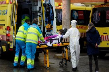 Traslado de un enfermo de COVID-19 en España