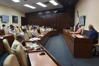Reunión con el grupo de científicos y expertos que participan directamente en la batalla de Cuba a la Covid-19
