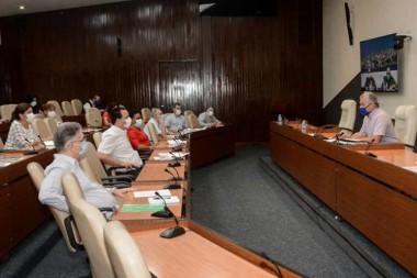 Llama presidente de Cuba a generar estrategia para fase post Covid-19