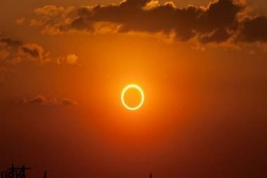 Gracias a las posibilidades de Internet y los medios de comunicación las personas de todo el mundo podrán seguir el desarrollo del eclipse. Foto: El Universo