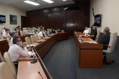 Reunión del grupo de expertos y científicos que han enfrentado directamente a la covid-19 en el país