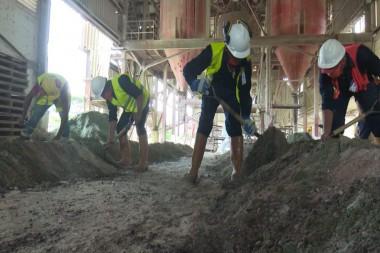 La industria está asentada a más de 50 kilómetros de la ciudad capital provincial, en las inmediaciones de la Loma El Chorrillo. Foto: Televisión Camagüey.