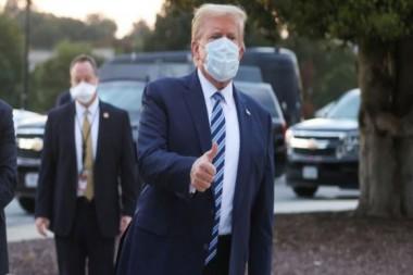 Donald Trump abandona el hospital Walter Reed. 5 de octubre de 2020. Foto: Reuters.