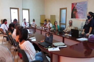 Reunión en el Centro de Estudios Ambientales de Cienfuegos
