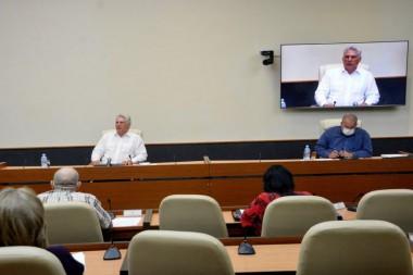 Diaz-Canel preside reunión sobre coronavirus. Foto: Estudios Revolución
